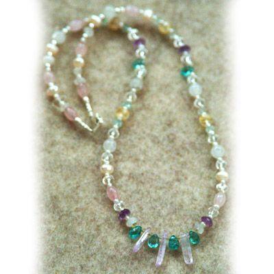 halsband kristaller pärlor finns på PricePi.com. e78c9e7839590